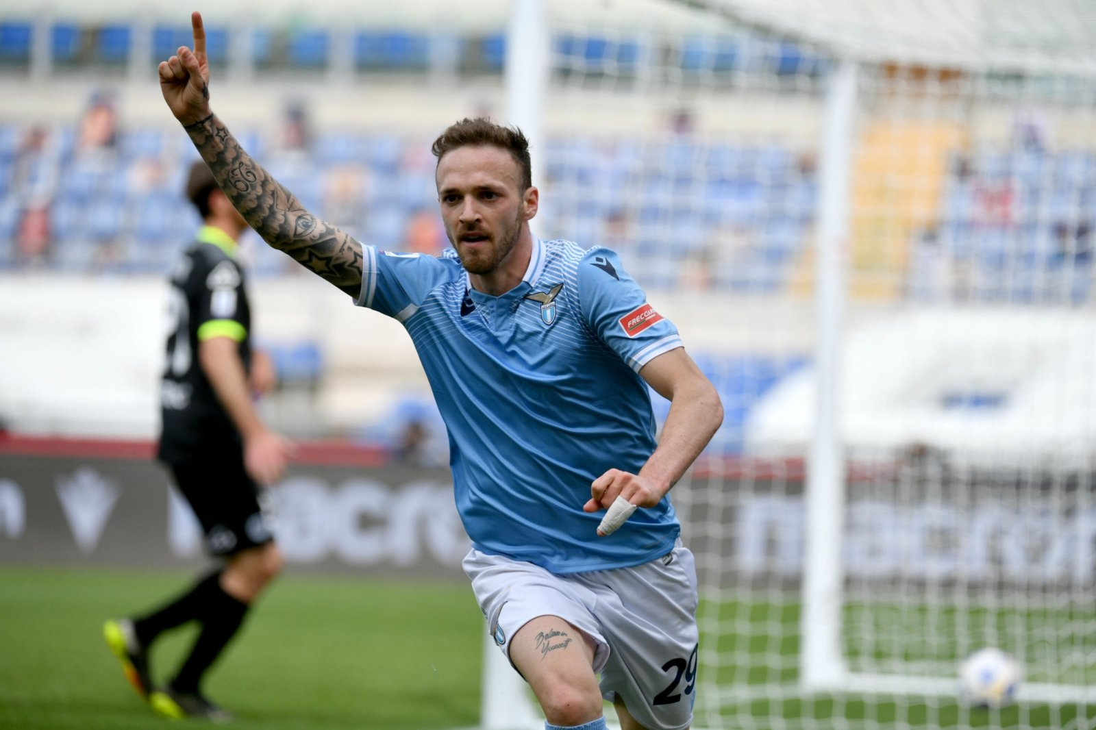 Lazio edge past Spezia despite late red cards | Forza Italian Football